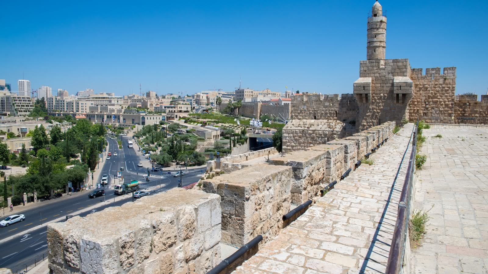 self guided walking tour religious jew of old city jerusalem